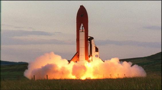 [Vidéo] Une voiture transformée en navette spatial (Top Gear) 8-reliant-robin-space-shuttle