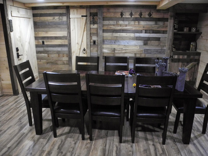 Epic Game Room - The Game Tavern Game-tavern-room-dnd-02