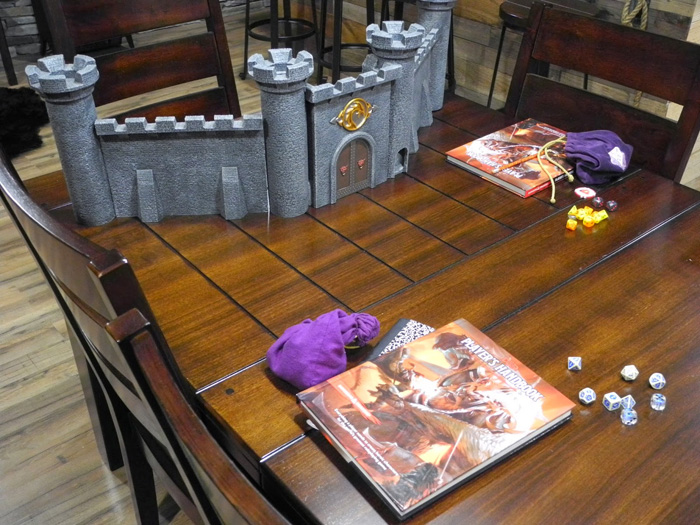 Epic Game Room - The Game Tavern Game-tavern-room-dnd-03
