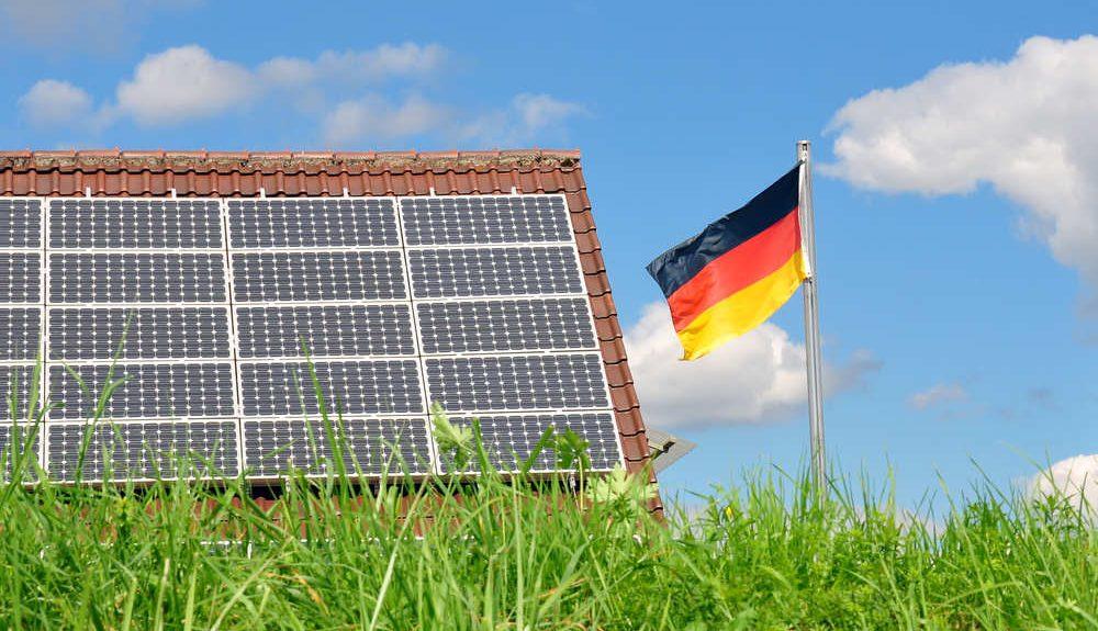Что сейчас происходит? (Обсуждение новостей) - Страница 47 Solar-germany-flag-e1500028788696