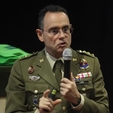 Gobierno del PSOE presidido por Sánchez. Grande Marlaska, Ministro de Interior... Pedro_banos_colonel_spanish_army