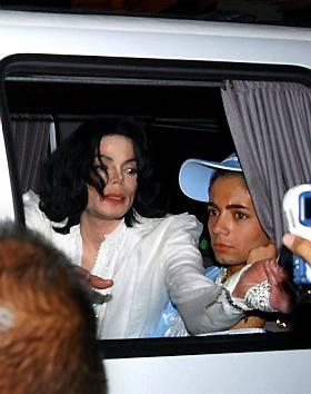 [SMENTITO] Michael ha un quarto figlio - Pagina 2 JacksonXMichaelXBirthdBull