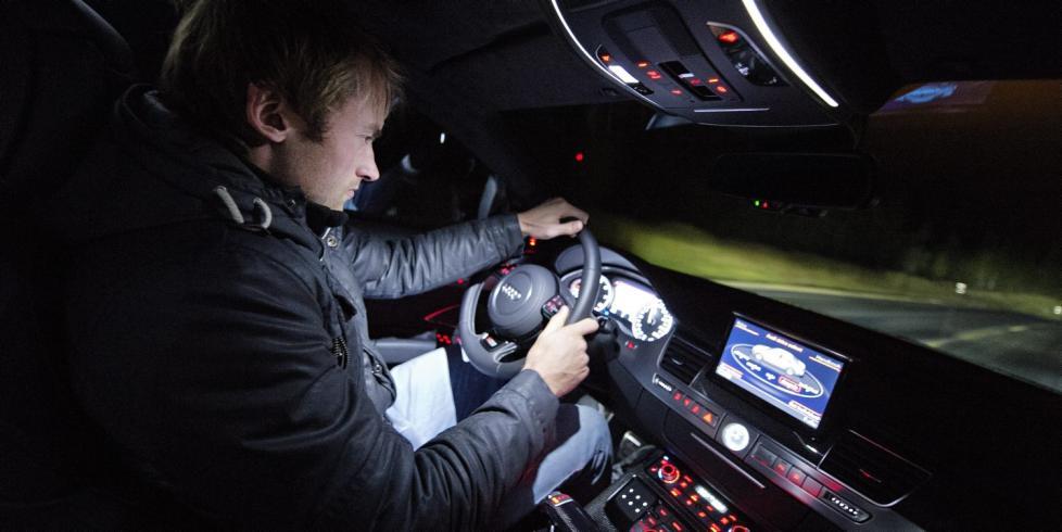 Крепче за баранку держись шофер 978x490