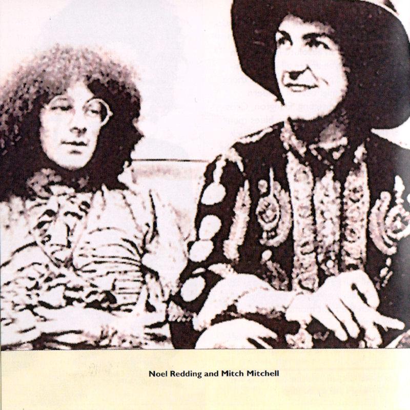Discographie : Compact Disc   - Page 3 ELMCAMCD116001997Livret08_zps181647bf