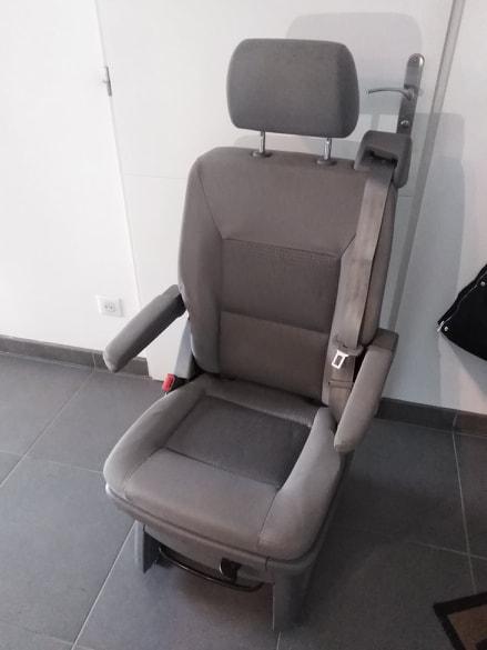 [vendu] siège arrière individuel T5 T6 S2