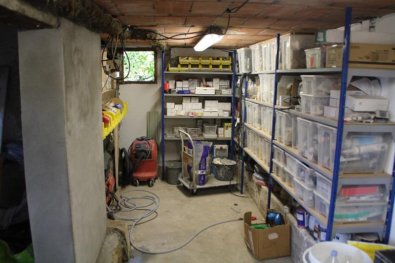 Où trouver des rayonnages, ou comment faire des rayonnages pour ranger l'atelier ? 13_Atelier_Gauche