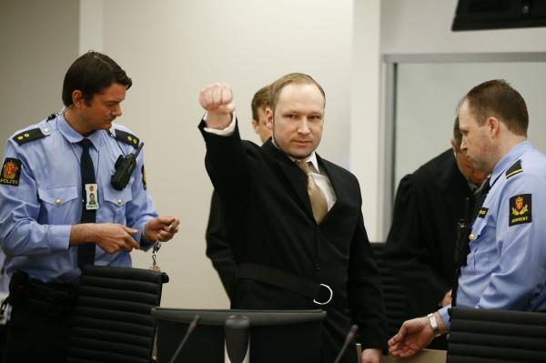 ¿Que puño se levanta? - Página 9 Breivik-queria-matar-600-personas-voces-cabeza-decian_1_1184878