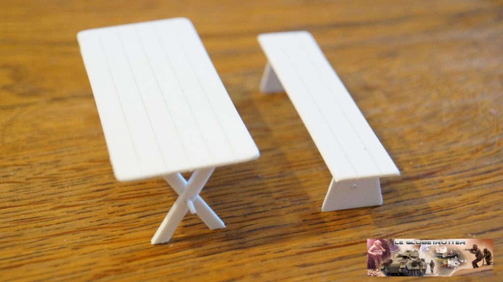 Matériels pour dio SCI FI - 1/35 scratch Falke-1-35-table-banc--a002