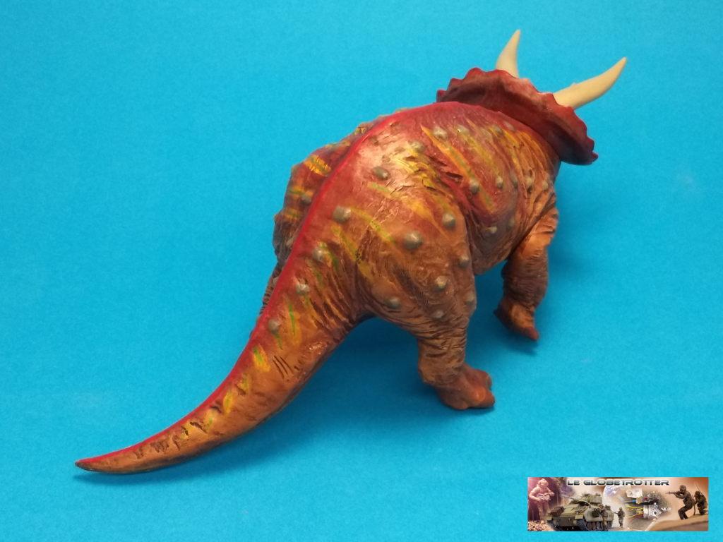 Tricératops - 1/35 Tamiya Triceratops-b009