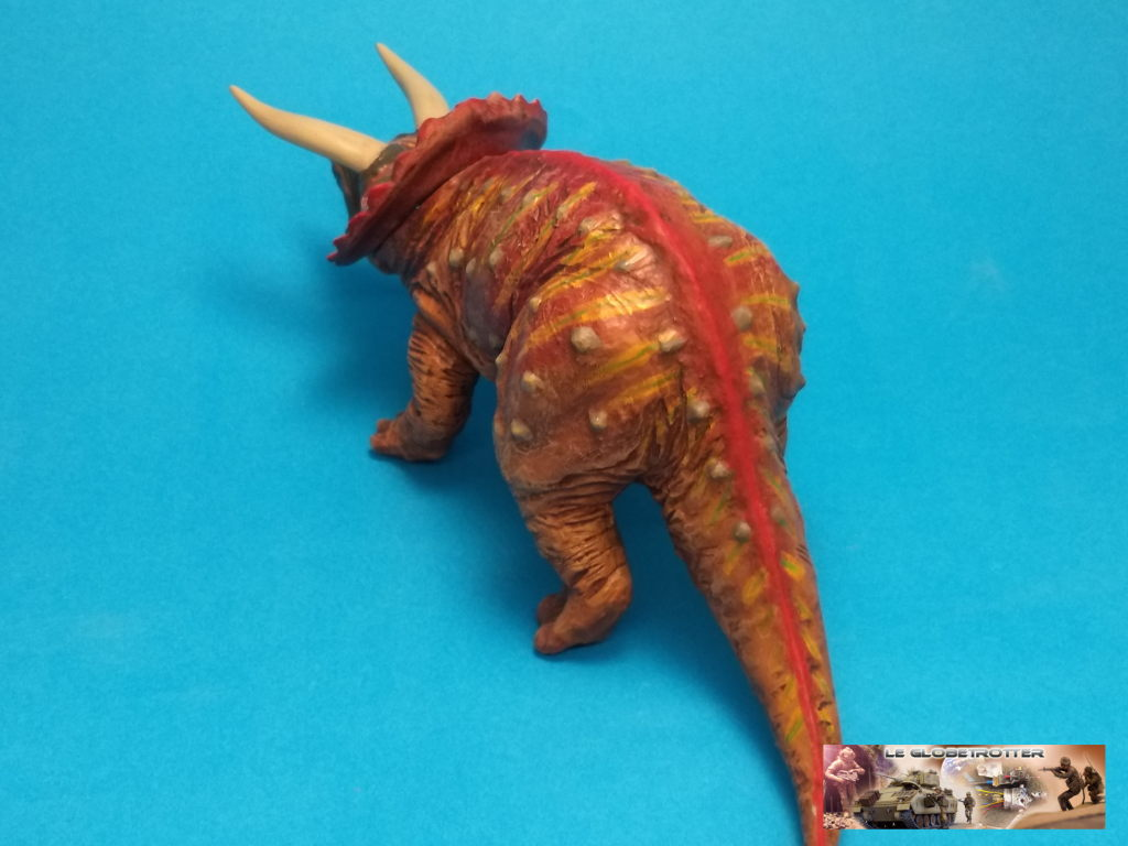 Tricératops - 1/35 Tamiya Triceratops-b010