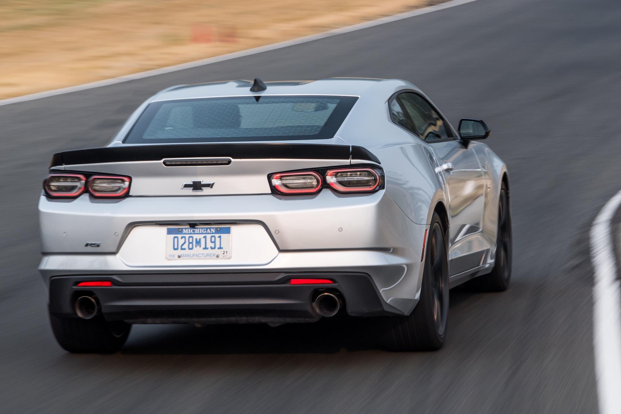 2020 - [Chevrolet] Menlo 2019-Chevrolet-Camaro-LT-Turbo-1LE-Exterior-Silver-Ice-Metallic-September-2018-Media-Drive-Seattle-006