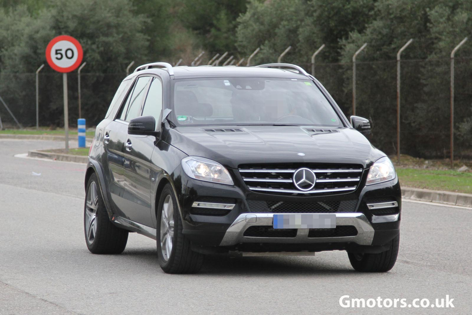 2015 - [Mercedes] GLE Coupé [C292] - Page 2 Mercedes-Benz-MLC-Chassis-Testing-Mule-7