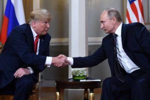 "Противостояние «Глубинному государству"" Trump-and-Putin-300x200"