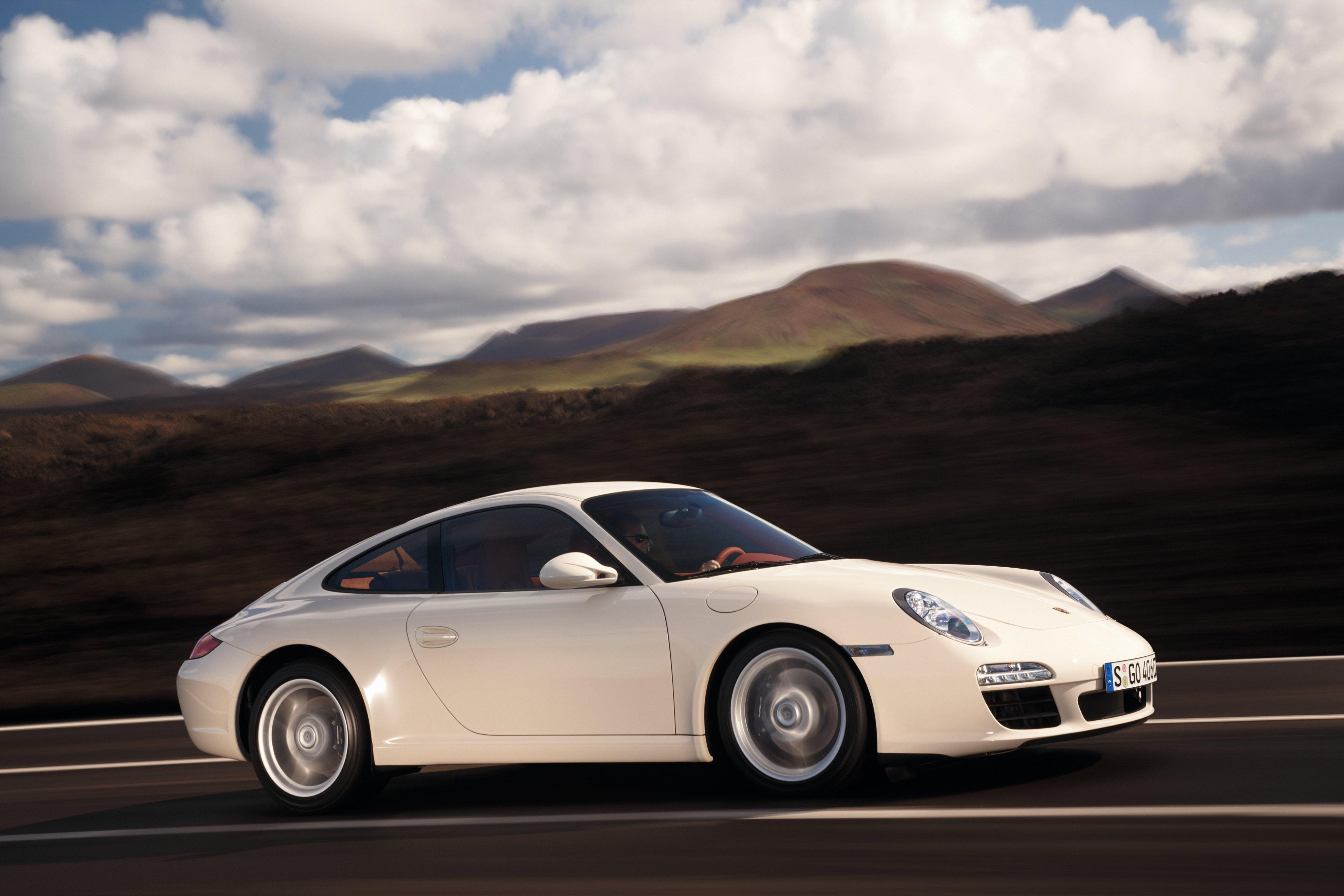 Porsche  Porsche-911-carrera-27-02