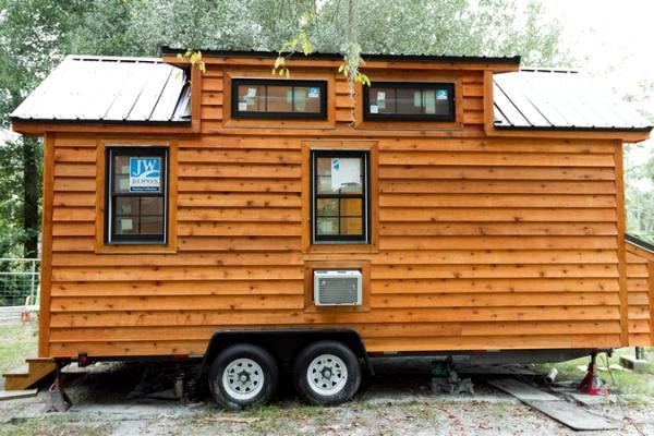 Habitat non conventionnel, le contraire de la BAD Tiny-living-tiny-house-exterior-3