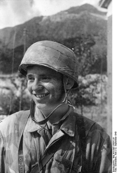 visages de soldats Luftwaffe-para-gran-sasso