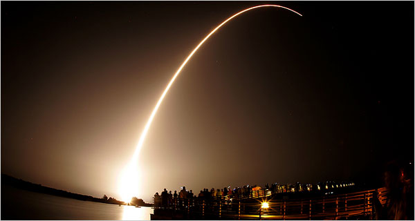 NASA Launches Mission to Mars Pole 04cnd-phoe.600