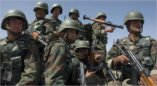 Armée Afghane/Afghan National Army(ANA) - Page 11 17afghan-600
