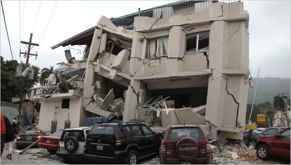 7.0 earthquake hits Haiti / Puissant tremblement de terre en ArticleLarge