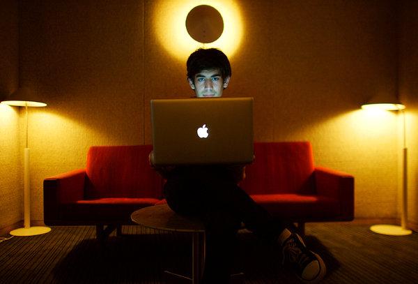 dossier - Aaron Swartz : Un activiste du libre accès aux données SWARTZ-articleLarge