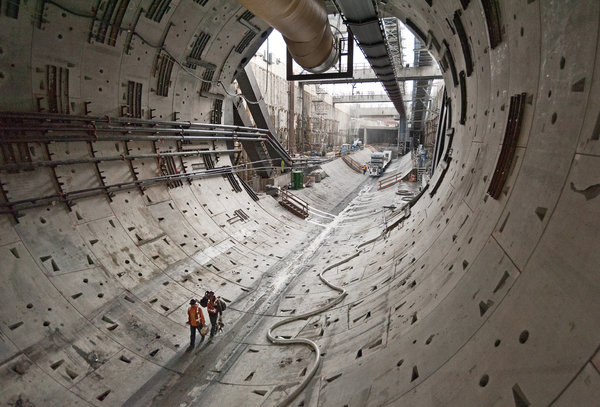 Mystery 'Thing' In Seattle Tunnel – Long Lost Civilization? (Video Reports) TUNNEL-1-articleLarge