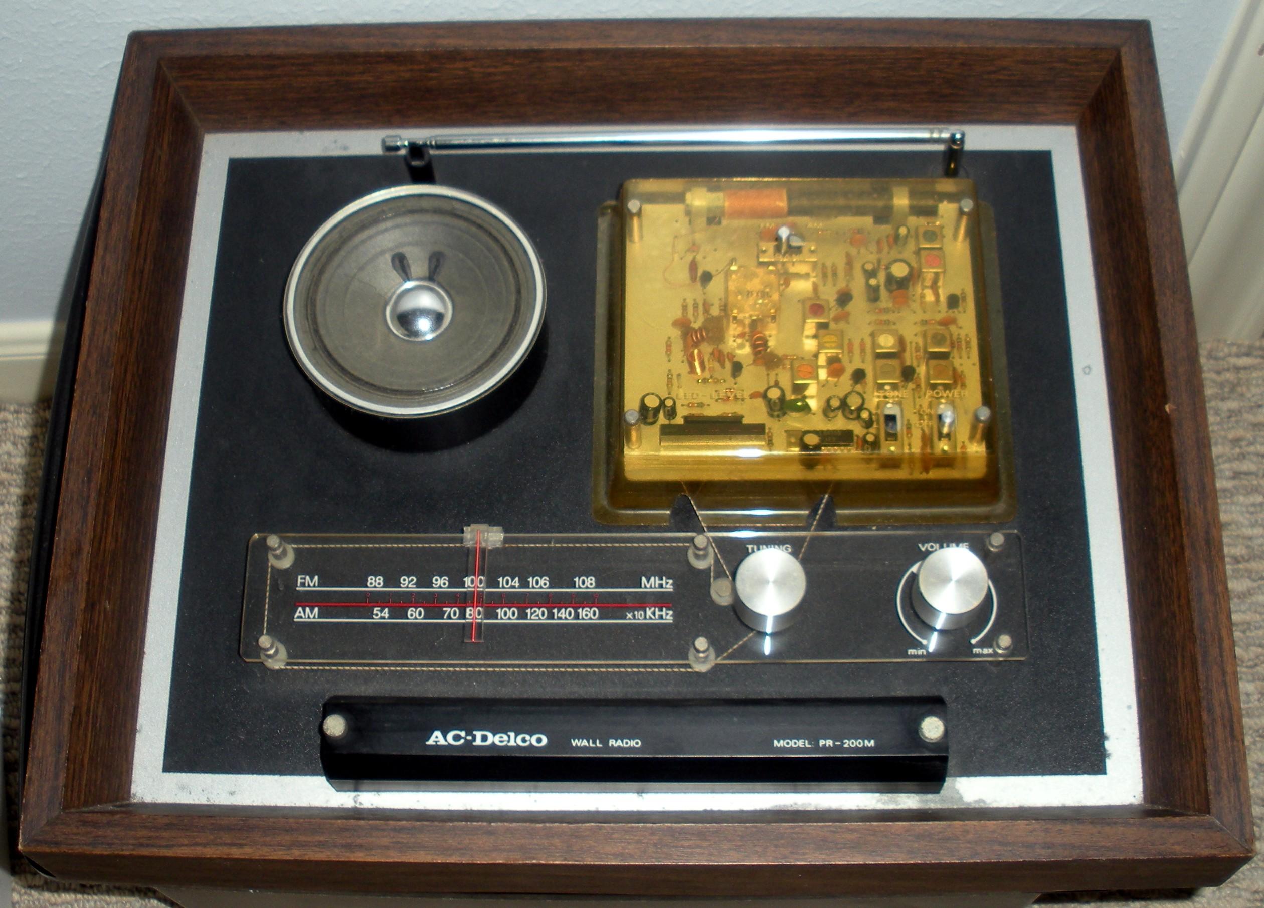AC Delco Wall Radio PR-200M DSCN9604