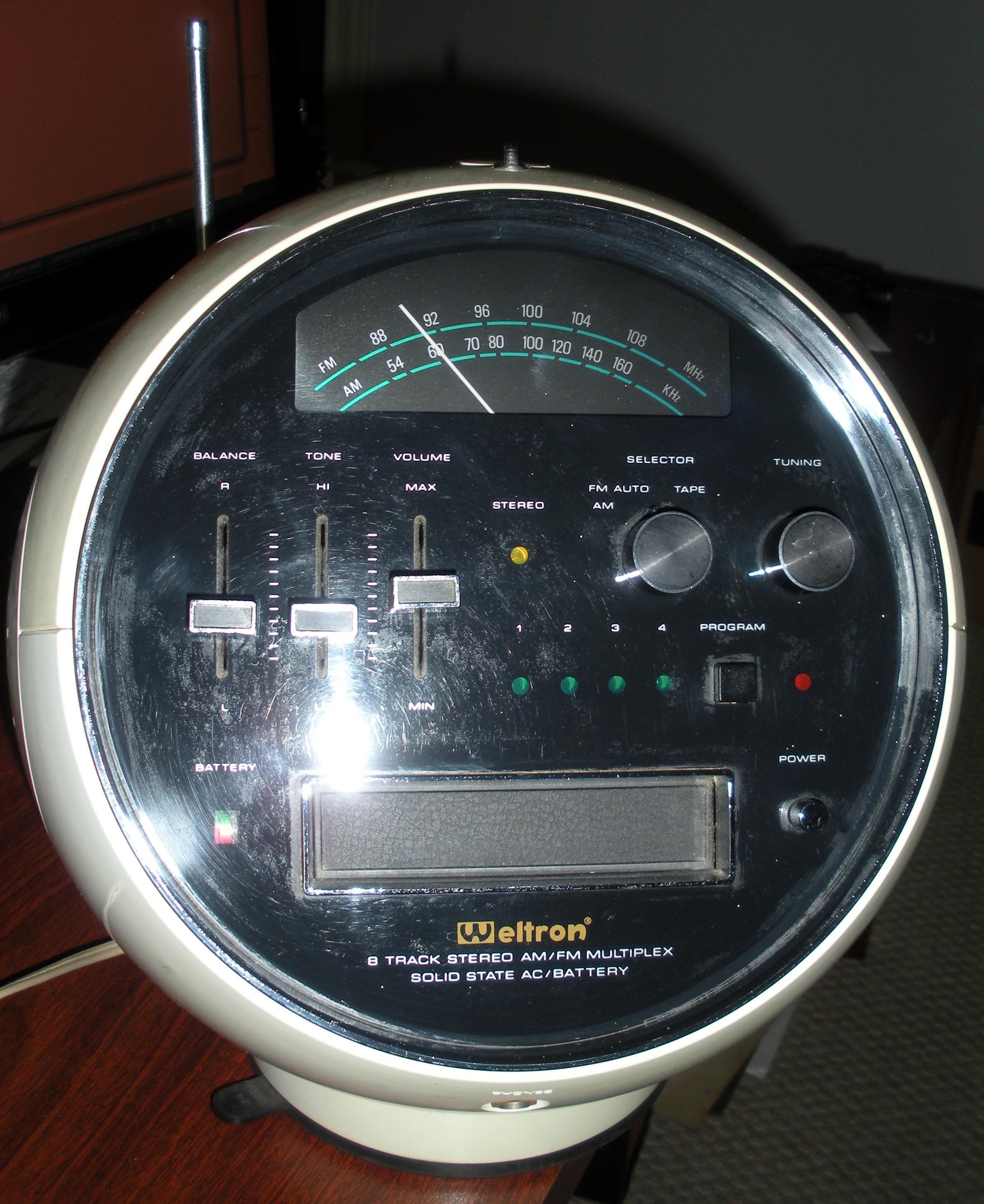 "Weltron 2001 ""Space Ball"" DSCN9640"
