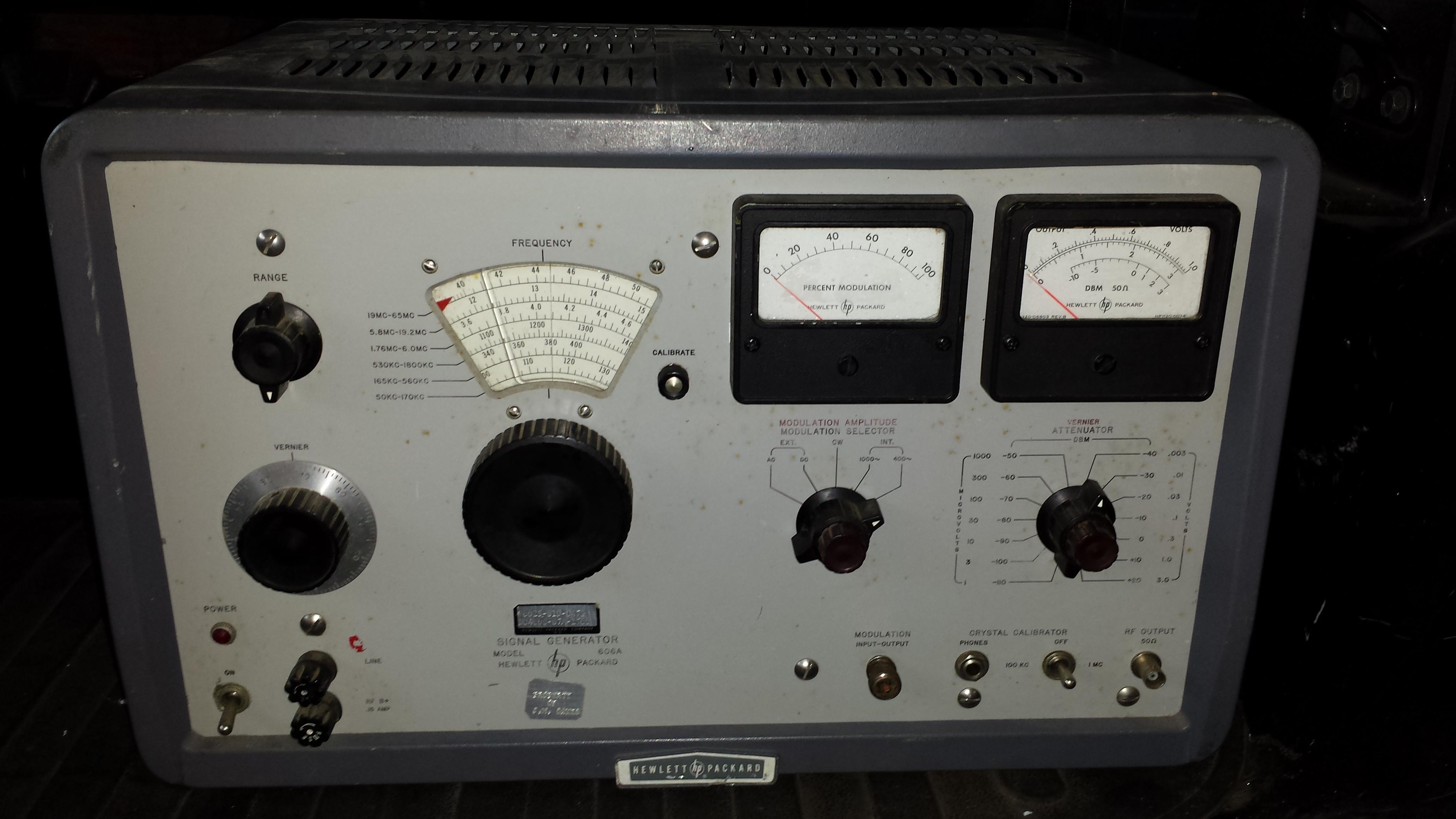 HP 606A RF Signal Generator HP606a