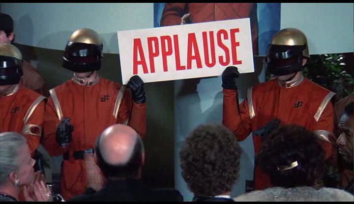 [Oscars - L1] 2009/2010   [The End] - Page 2 V-applause
