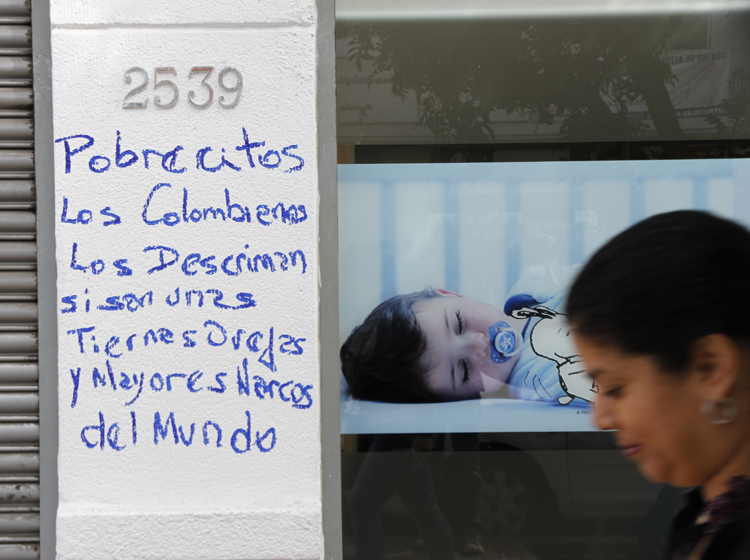 hasta cuando este gobierno comunista permite que los colombianos destruyan el pais? - Página 2 File_20131021195255