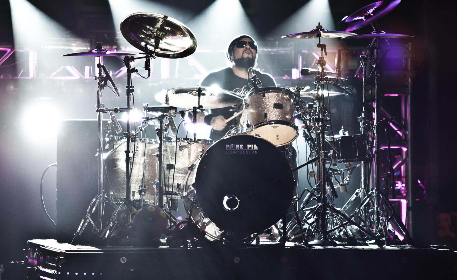 Frank Ferrer Background_home_10