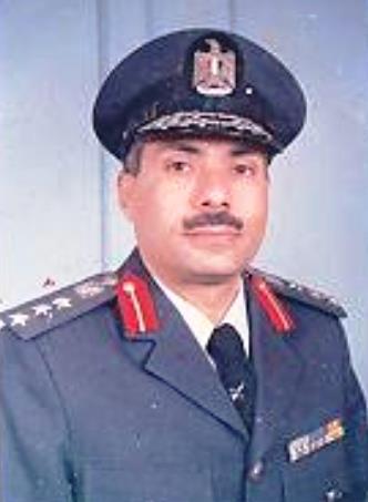 عميد مهندس احمد رفعت - كبير مهندسي السرب 25 مقاتلات  فى حرب اكتوبر 1973 487699_10151301331866010_1426989487_n