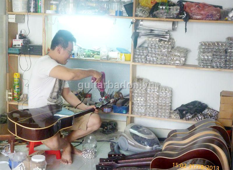 Giới thiệu Văn phòng giao dịch Guitar Ba Đờn Guitar-ba-don-P1020317