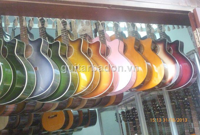 Giới thiệu Văn phòng giao dịch Guitar Ba Đờn Guitar-ba-don-P1020339