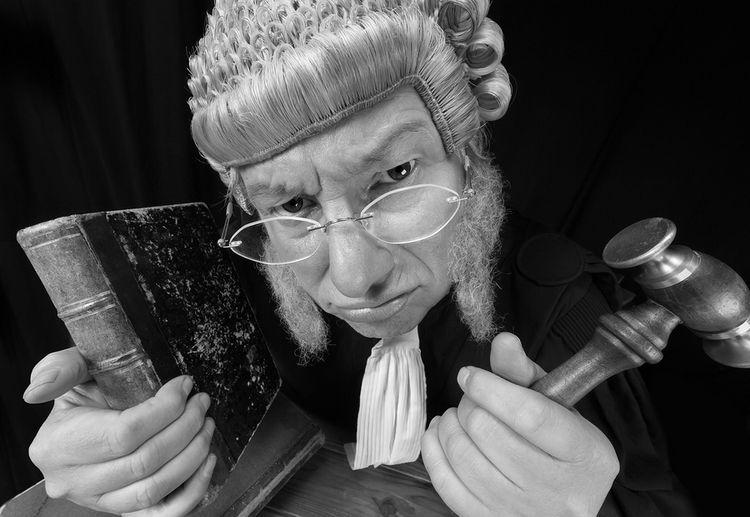 Escucha Activa: 14 Formas De Desarrollar Tu Mayor Poder Juez