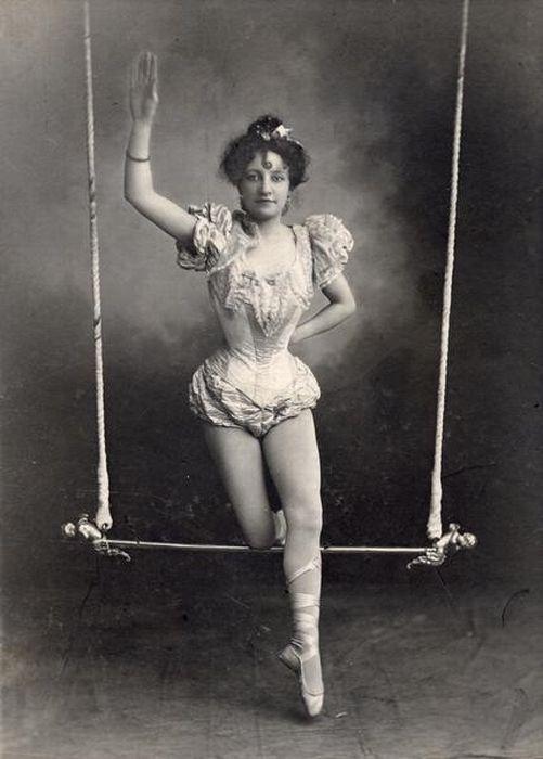 Le cirque ... - Page 2 51a6ad73