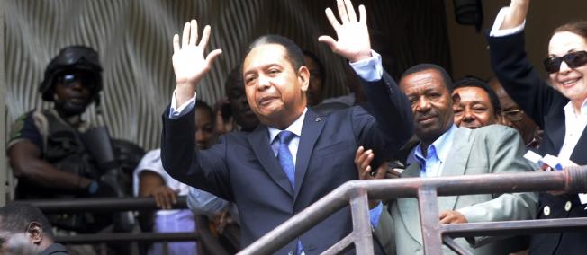 En Haïti, c'est la Dolce Vita Pour l'Ancien Dictateur 'Baby Doc' Duvalier Duvalier-haiti-politique-237796-jpg_128862