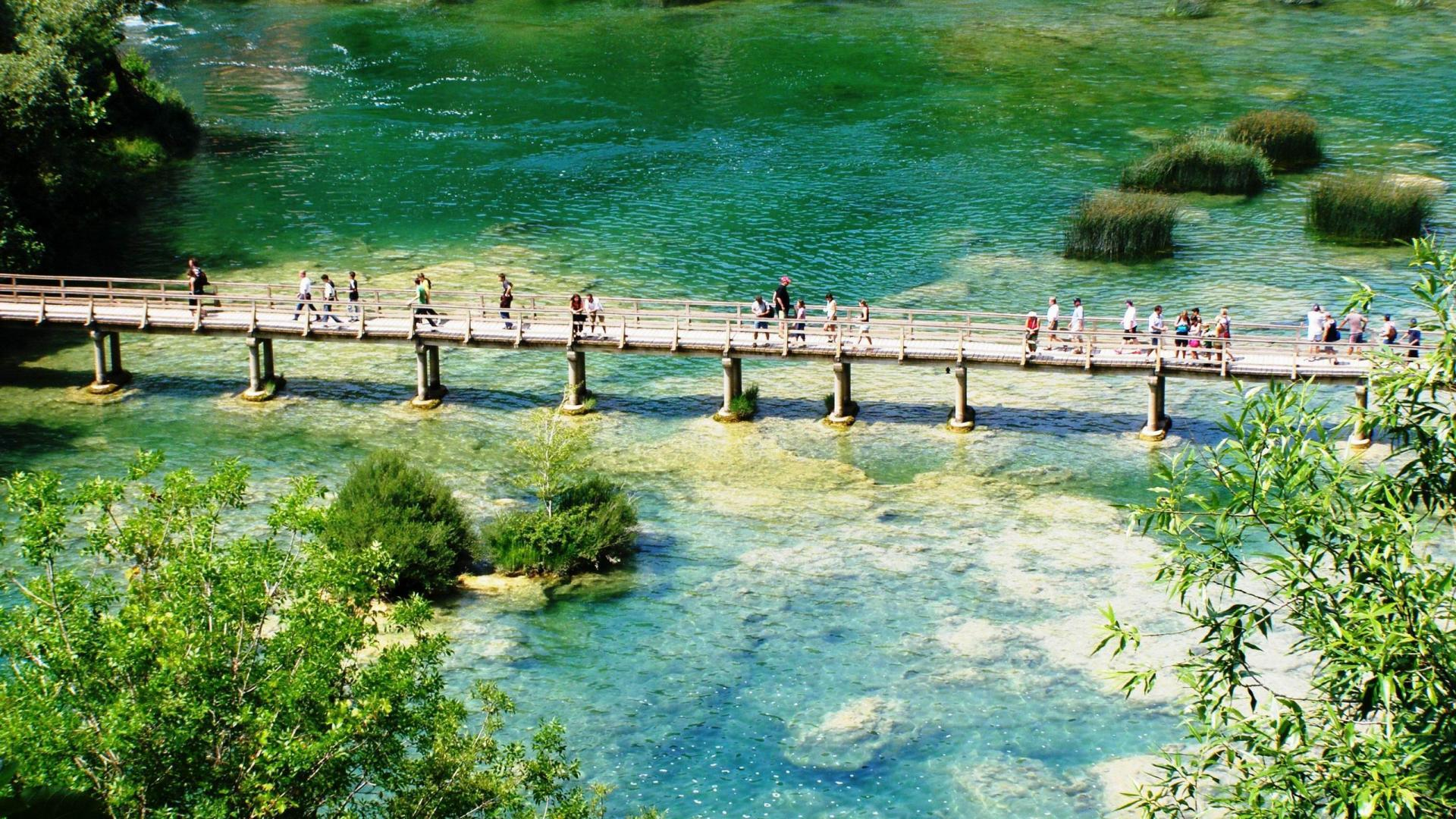 Hrvatska - Page 9 Nature-landscapes_hdwallpaper_bridge-at-krka-national-park-croatia_24782