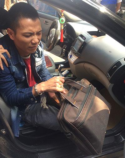 Đăng tin rao vặt: Thuê xe hạng sang ngụy trang để vận chuyển ma túy A711d9f0-2cc7-4053-9640-8983365db6a9
