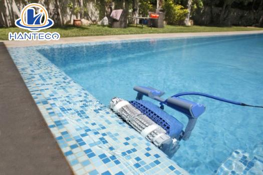 Công nghệ robot vệ sinh hồ bơi có 1 không 2 Robot-ve-sinh-ho-boi-dolphin-2