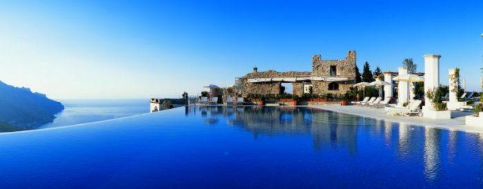 Bể bơi vô cực là gì? Những hồ bơi trải dài vô cùng cực trên thế giới Be-boi-vo-cuc-1