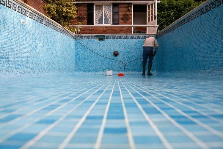 Chẳng cần dịch vụ vệ sinh khi đã sở hữu thiết bị bể bơi này Dichvuvesinhhoboichuyennghiep
