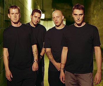 Breaking Benjamin Breakingbenjamin-band-2004
