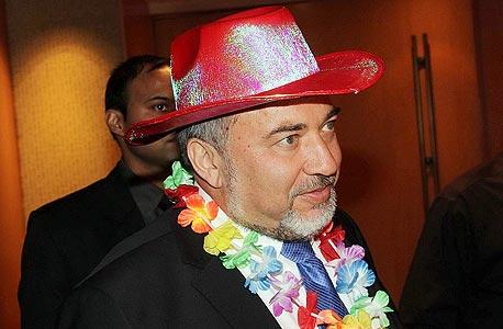 שמועות בליכוד מנסים להפיל את לברמן Avigdor-Lieberman-in-gay-colors