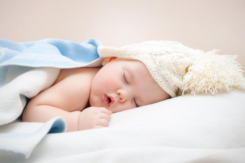تصبحوا على خير ......  Baby-sleeping