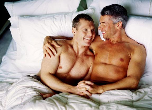 Bourse aux armes de Lausanne 2014 - Page 3 Gay-men-2