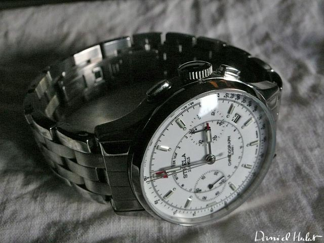 Revue Strela blanche bracelet acier 10