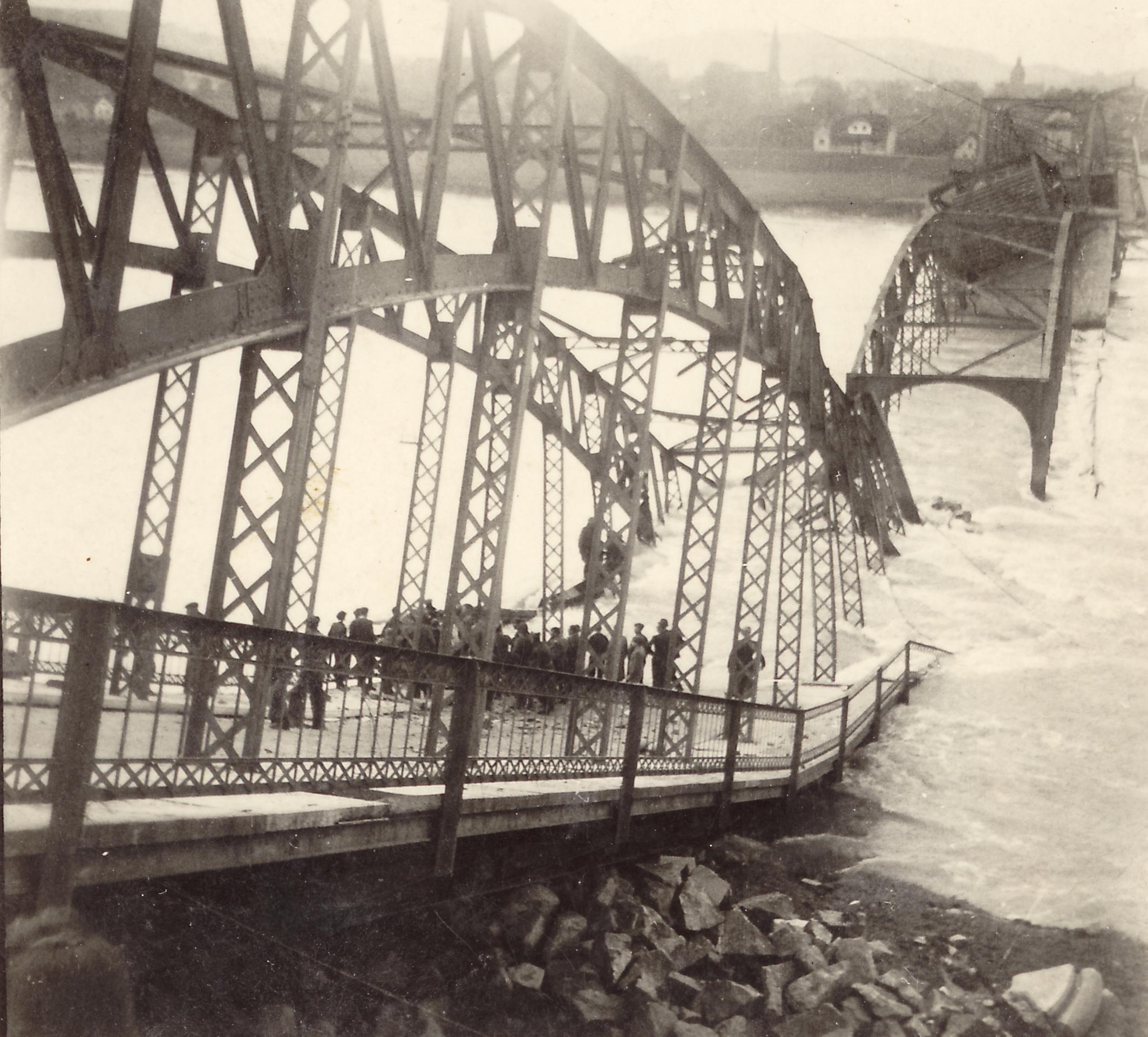 el puente sobre el rio Inn Braunau3
