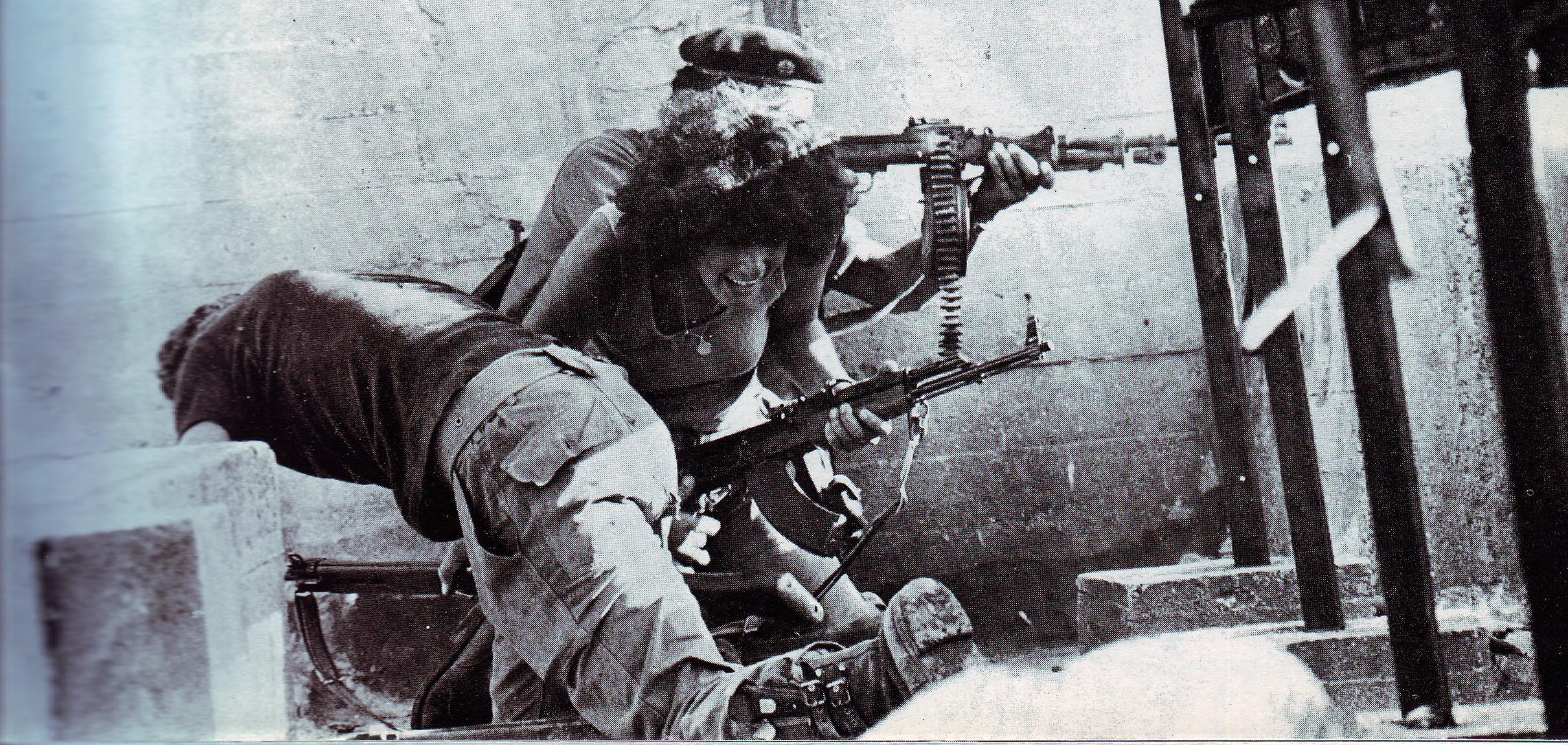 scènes de combat (armée libanaise, palestinien, chrétien...) 1975-nizamiyyet2