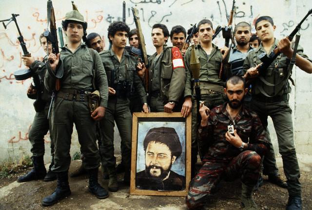 scènes de combat (armée libanaise, palestinien, chrétien...) 1982-amal-avril-1982